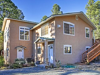 Peaceful 4BR Ruidoso Cabin w/Natural Views!
