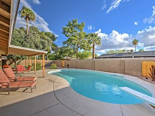 Gorgeous Remodeled 4BR Scottsdale House w/ Pool!