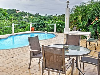 3BR Vieques House w/Pool & Optional 1BR Apt