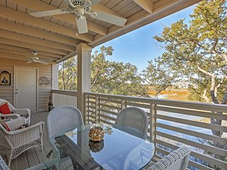 Terrific 2BR Seabrook Condo w/Private Porch!