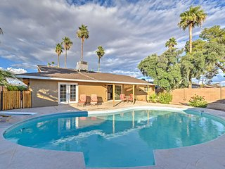 Modern Scottsdale Home w/Pool+Patio 15 Mins to ASU