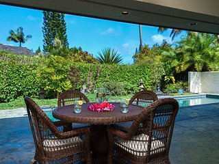 Stunning, Hale Nalani, tucked away, spacious with pool!, Princeville