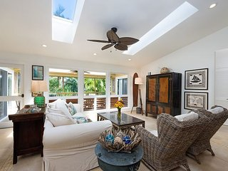 Private, Luxury Home Near Tunnels Beach!  Ideally located in Haena., Hanalei