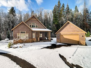 3-for-2*Luxury Cabin Nr Suncadia, Private Yard,Game Room, Hot Tub
