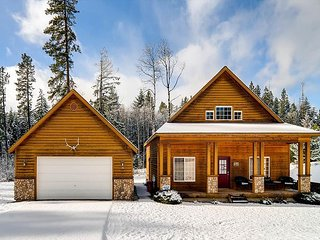 Stylish Cabin Nr Suncadia|2BR+Large Loft, Slps 8|Hot Tub,3-for-2 Special, Ronald