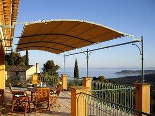 Villa avec piscine et vue mer F164