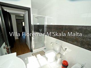 Holiday Villa in Marsascala with Pool & Jacuzzi