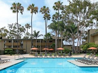 Great Condo with tons of Amenities, San Diego