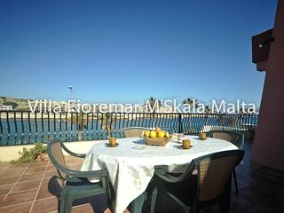 Holiday Villa in Marsascala with Pool & Jacuzzi