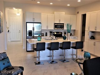 5BR Luxury Town Home 15min to Disney Championsgate