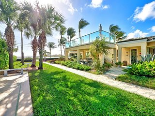 Palm Beach Shores Studio w/ Outdoor Paradise: Pool, Hot Tub, and BBQ Grill, West Palm Beach