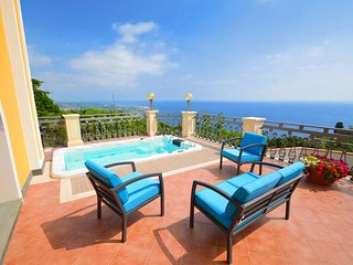 Villa La Timpa - ancient and majestic villa which enjoys a wonderful view of Mou