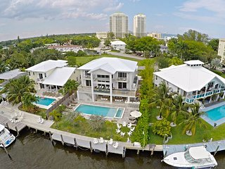 Luxurious Waterfront Villa with Heated Saltwater Pool, Miami Beach