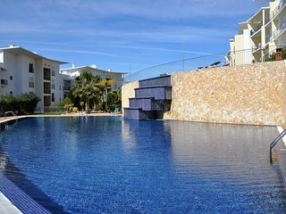 Naden White Apartment, Albufeira, Algarve