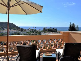 NEW! Baia da Luz, 2+1 luxury penthouse with great sea views
