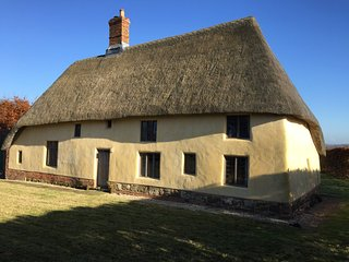 "Medieval ""Hall"" House c 1420 with outstanding views of the Lincolnshire Wolds"