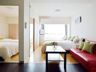 Osaka Apartment in heart Namba, Dotonbori, WiFi