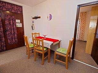 Apartment 11184