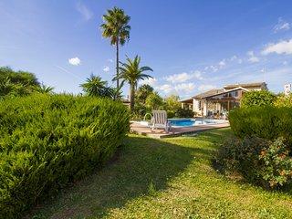 Coscos- Beautiful country house w/pool outskirts Santa Margalida!