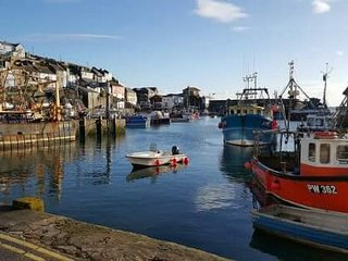 Ideal get away for couples or friends a stones throw from the harbour & beaches, Mevagissey