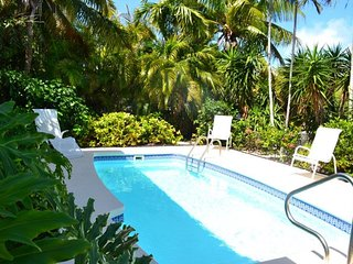 P85 ~ Smooth Sailing - Tropical Single Family, pool home, Marathon
