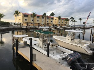Futura Yacht Club Bay View Condo with 36' Deeded Boat Slip (Min. 28 Day Rental), Islamorada