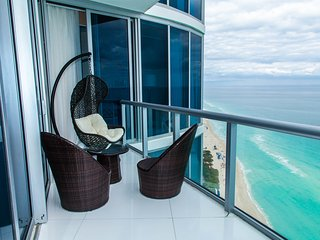 LUXURIOUS JADE 3BD CONDO OCEANFRONT