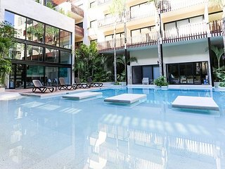 Unique Apartment * WIFI * SECURITY 24/7 * GREAT LOCATION * Free Parking *
