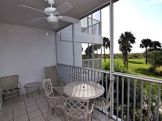 Gulf front resort style 2 bedroom condo