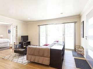 WONDERFUL 1 BEDROOM APARTMENT, Santa Monica