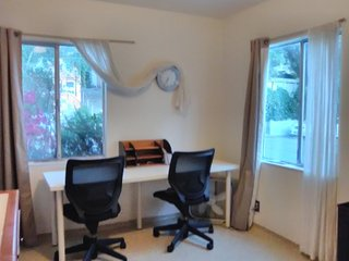Furnished Studio Apartment at Grand Ave & Mandana Blvd Oakland