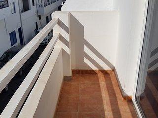 La Santa, balcón soleado., Tinajo