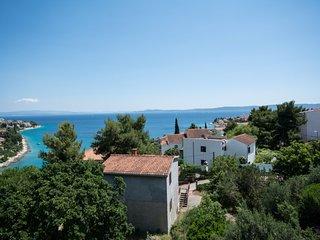 Villa Mira with pool and spectacular view, Okrug Gornji