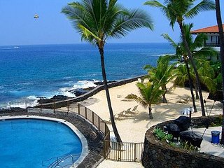 Beautiful 1 bedroom condo near the Heart of Downtown Kailua Kona!, Kailua-Kona