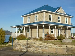 HOUSE TO RENT LAKE MATAPEDIA FISHING GASPESIA GASPESIE QUEBEC