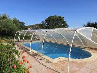 Appartement  panoramique (4/6 personnes) dans villa avec piscine privative