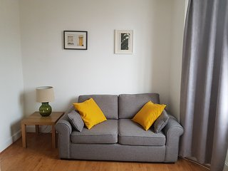 Bright&Sunny 1 Bed Apartment Close to 3 Museums