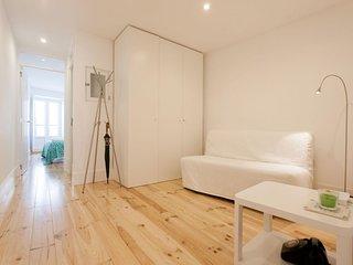 Alfama Bright  apartment in Alfama with WiFi & air conditioning.