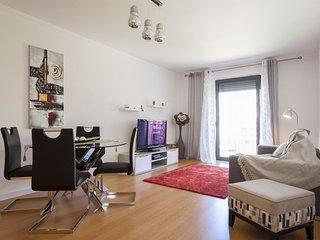 Spacious Castelo View apartment in Baixa/Chiado with WiFi, balkon & lift.