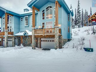 Better than a pot of gold, Rainbows End is the ideal property for up to 12!, Big White