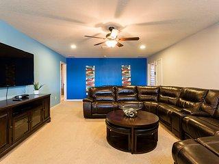 ⭐Near Disney / Universal / SeaWorld - Fabulous 9 Bedrooms Villa w/ Private Pool⭐