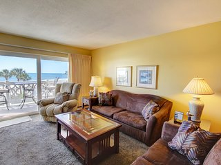 Gulf View Condo w/Private Balcony, Pool, Tennis, Sauna, Beach Access, & More!