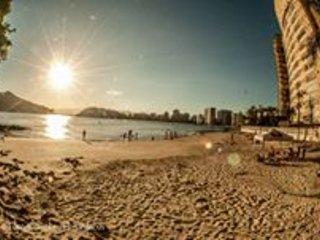 frente ao mar 2 dorms amplo, Sao Vicente