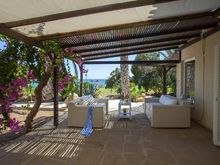 ANLN41 Napa Beachfront Villa