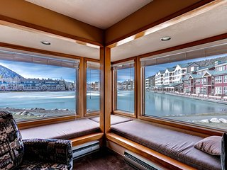 Condo at Lakeside Village on shuttle route. Kids Ski Free! ~ RA133239