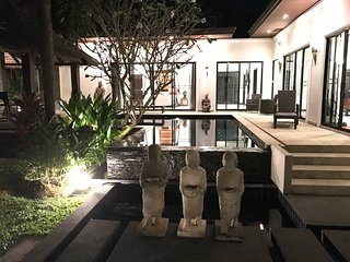 3 BR Thai Balinese Aelita Villa: Your dream villa in Phuket paradise, Cherngtalay