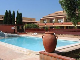 Résidence du Golf 2 étoiles avec piscines, Saint-Cyprien-Plage