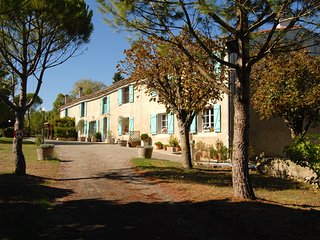 Domaine Saladry - Les Pins 2 bedroom luxury Gite, Carcassone