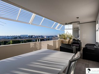 T2 proche Nouvelle Mairie : terrasse, clim & garage