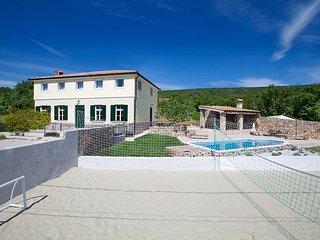 Villa Bea, Rakalj